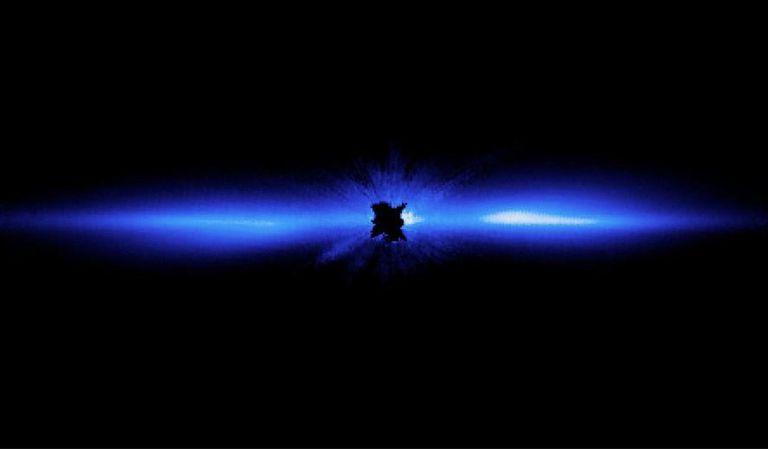 22-07-2021 Un disco de escombros, que incluye cometas, asteroides, rocas de varios tamaños y mucho polvo, orbita la estrella Beta Pictoris, que está bloqueada en el centro de esta imagen de 2012 por un coronógrafo a bordo del Telescopio Espacial Hubble. POLITICA INVESTIGACIÓN Y TECNOLOGÍA NASA, ESA, AND D. APAI AND G. SCHNEIDER