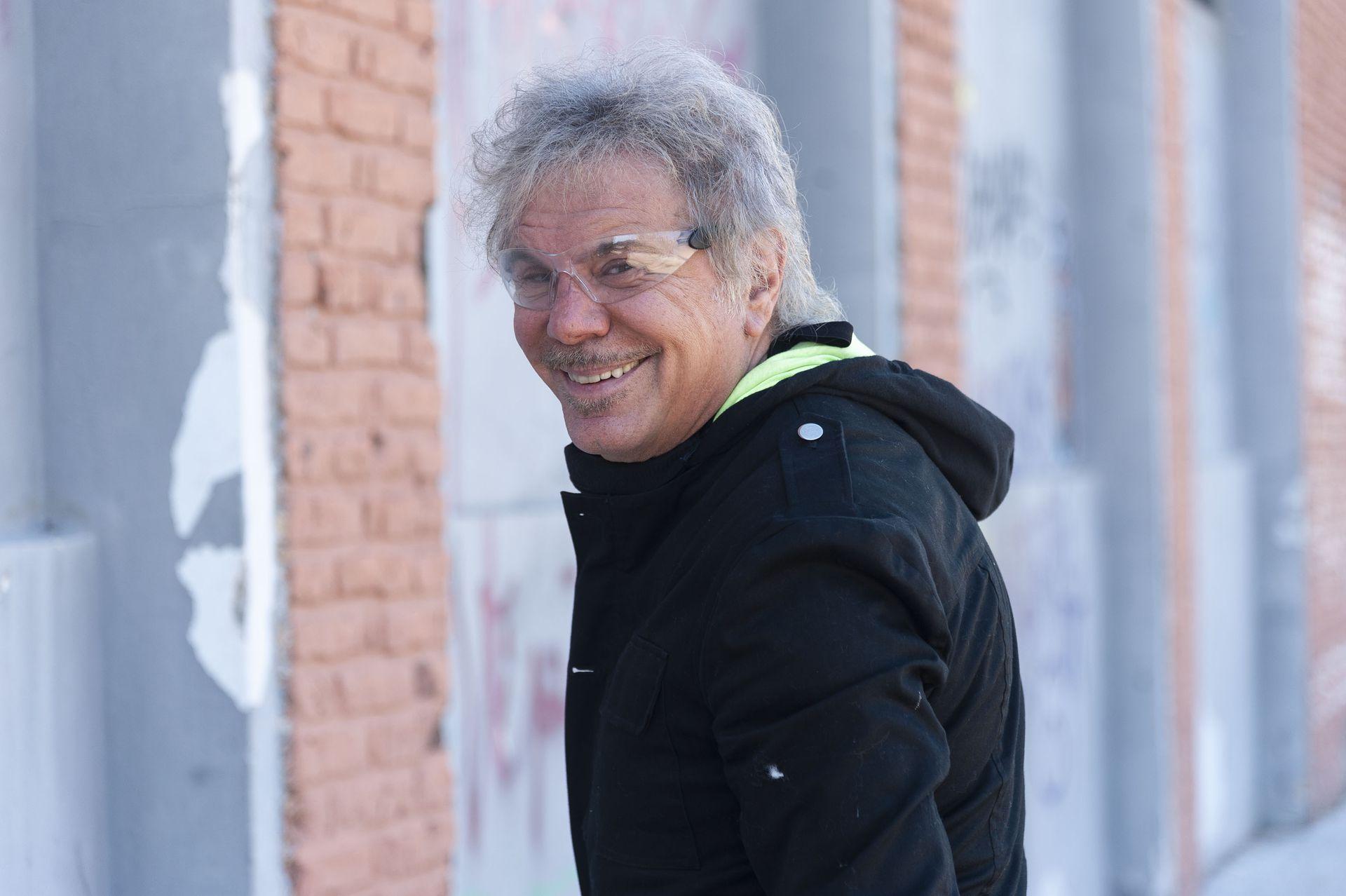 Beto Casella construyó un estilo propio frente a Bendita, un clásico que lleva 16 temporadas en el aire