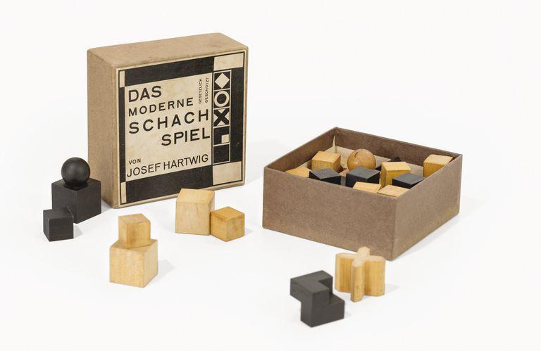Juego de ajedrez (Josef Hartwig y Joost Schmidt), 1924