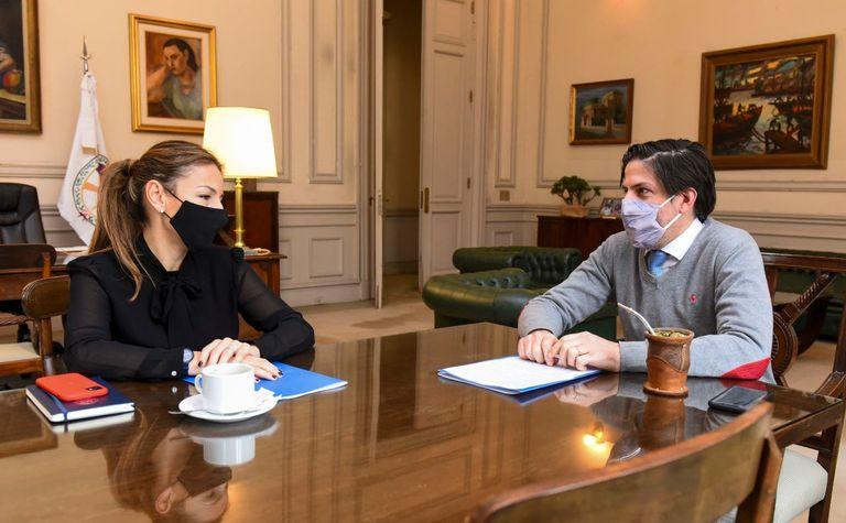 Los ministros de Educación de la Nación, Nicolás Trotta, y porteño, Soledad Acuña, protagonizaron una nueva ronda de cuestionamientos, pero sus equipos buscan conservar el diálogo
