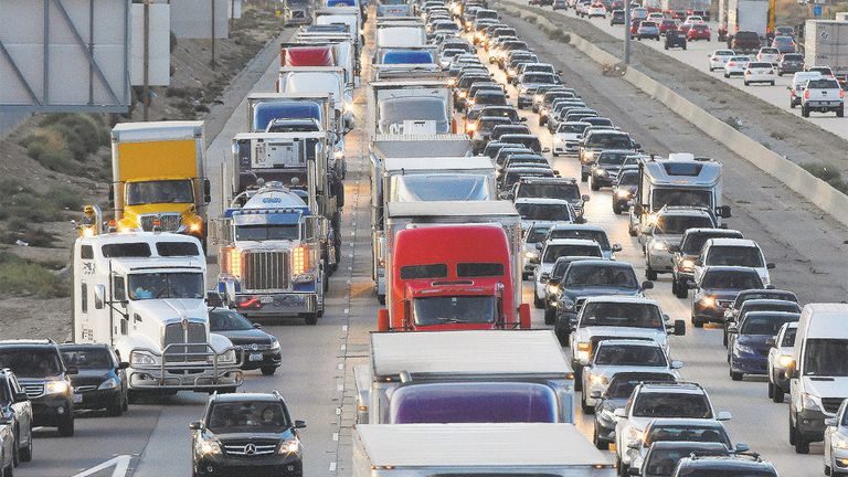 El negocio del transporte por carretera en EE.UU. está muy fragmentado y depende de intermediarios que conectan a los camioneros con los clientes