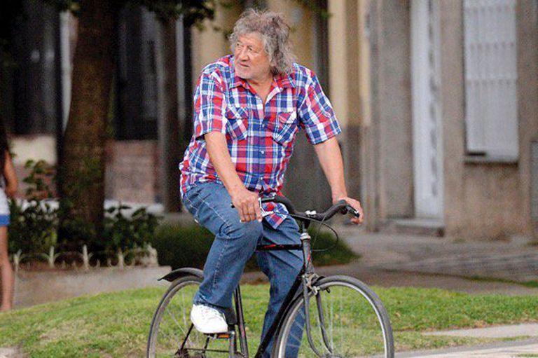 Ni auto ni camioneta: el Trinche siempre eligió la bicicleta para recorrer las calles de su querida Rosario