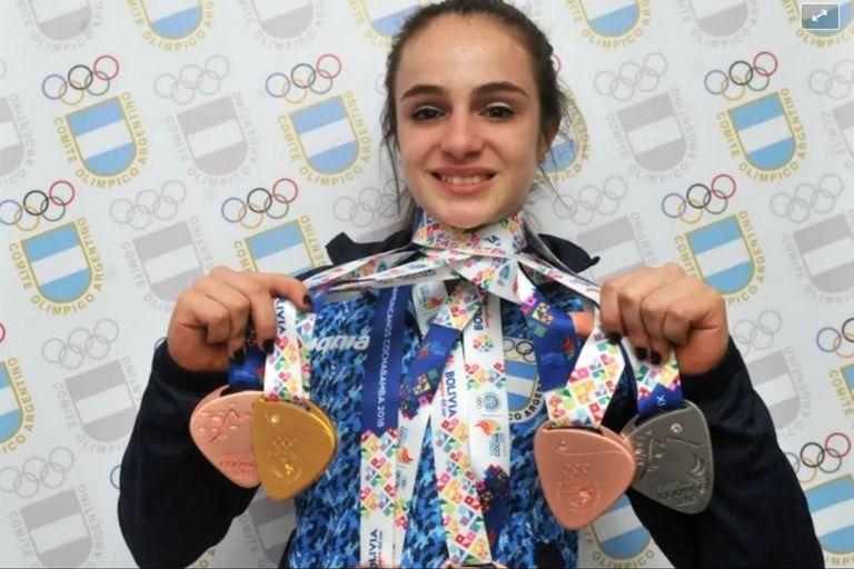 Su colección de medallas en mayo de 2018, en Bolivia