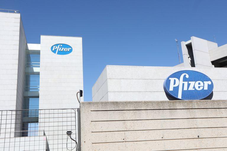 Pfizer podría ganar hasta 44.000 millones de dólares este año con su vacuna
