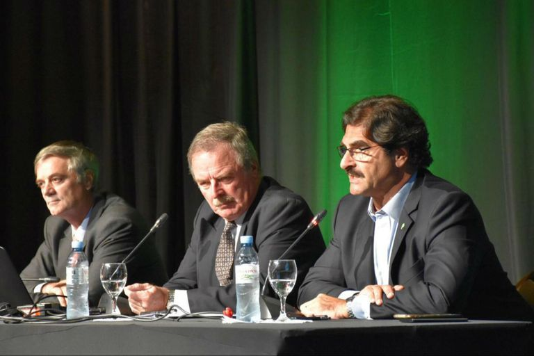 Santiago del Solar, jefe de Gabinete de Agroindustria; Gustavo Oliverio, asesor de la Fundación Producir Conservando, y el ministro de Agroindustria de Buenos Aires, Leonardo Sarquís