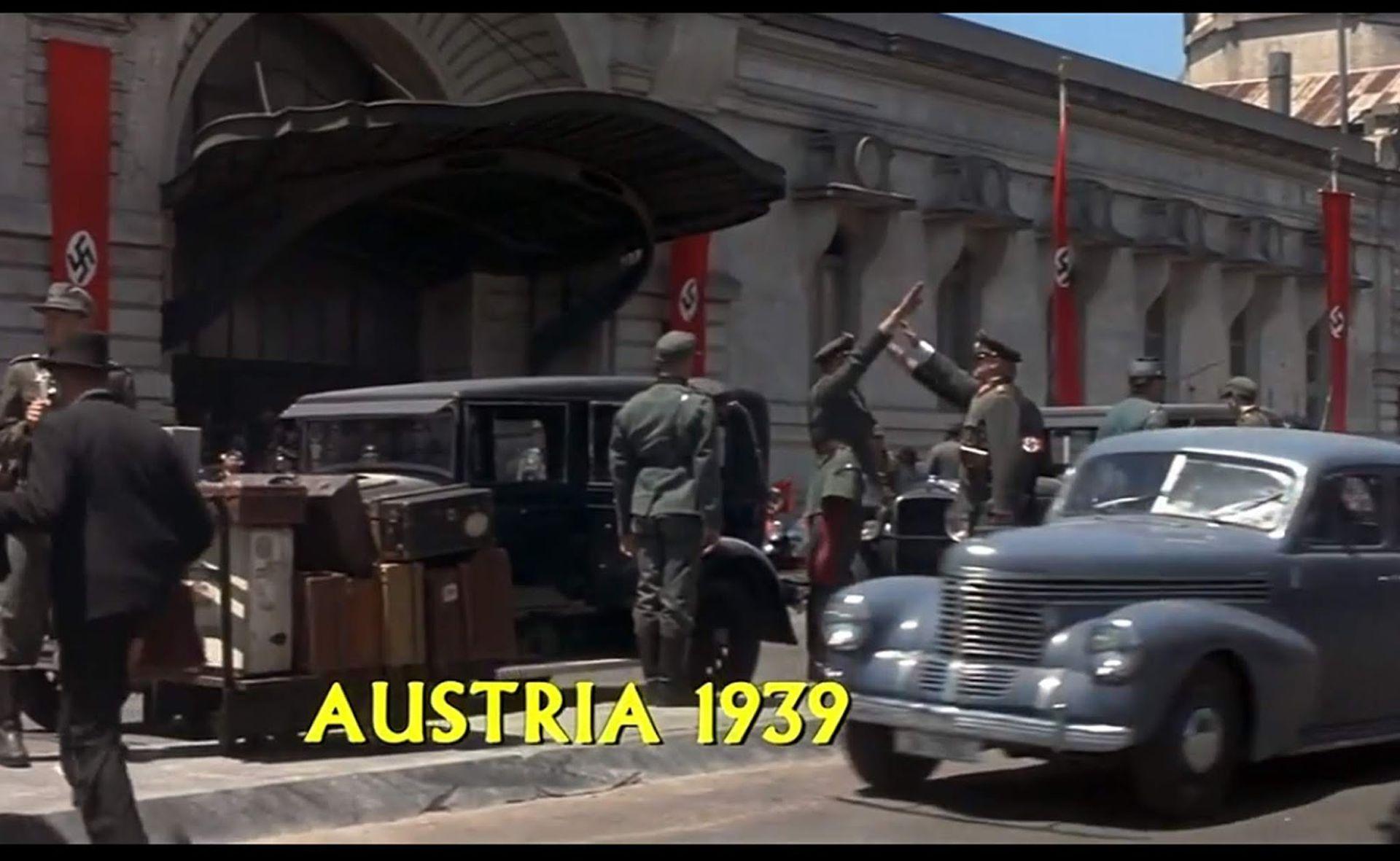 La estación de  trenes de La PLata se armó como una locación austríaca en tiempos de los nazis.