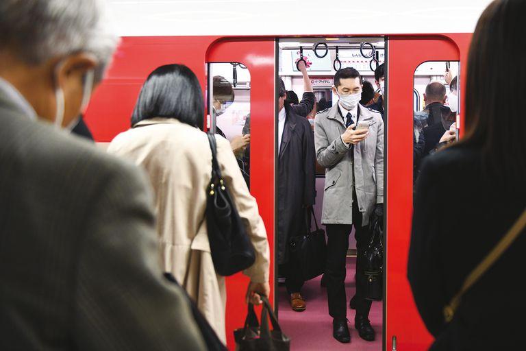 En Japón, el uso del barbijo es una costumbre para protegerse de la enfermedad y demostrar solidaridad