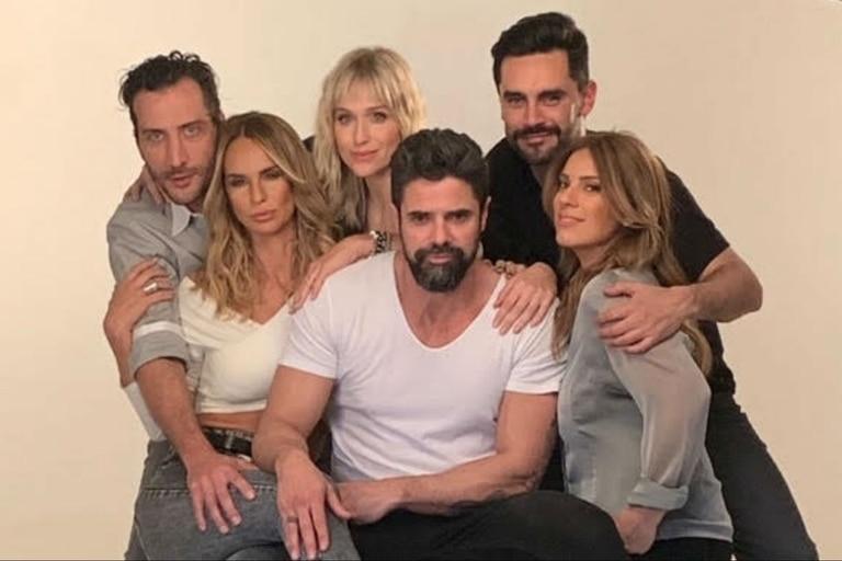 La obra protagonizada por los actores junto a Luciano Cáceres, Brenda Gandini, Sabrina Rojas y Mercedes Scápola se estrena el 20 de diciembre en Mar del Plata