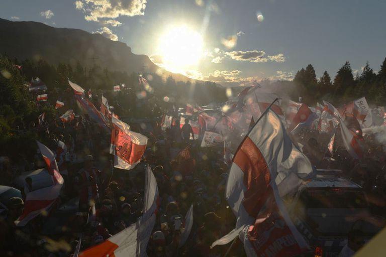 La espectacular bienvenida al plantel en San Martín de los Andes