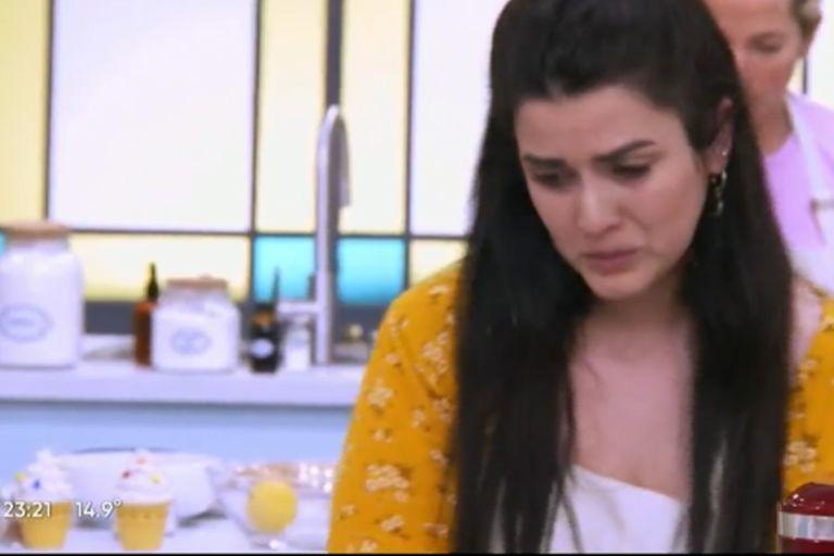 Belén, de Bake Off Argentina, no pudo contener el llanto cuando un postre le salió mal (Foto: Captura de video)