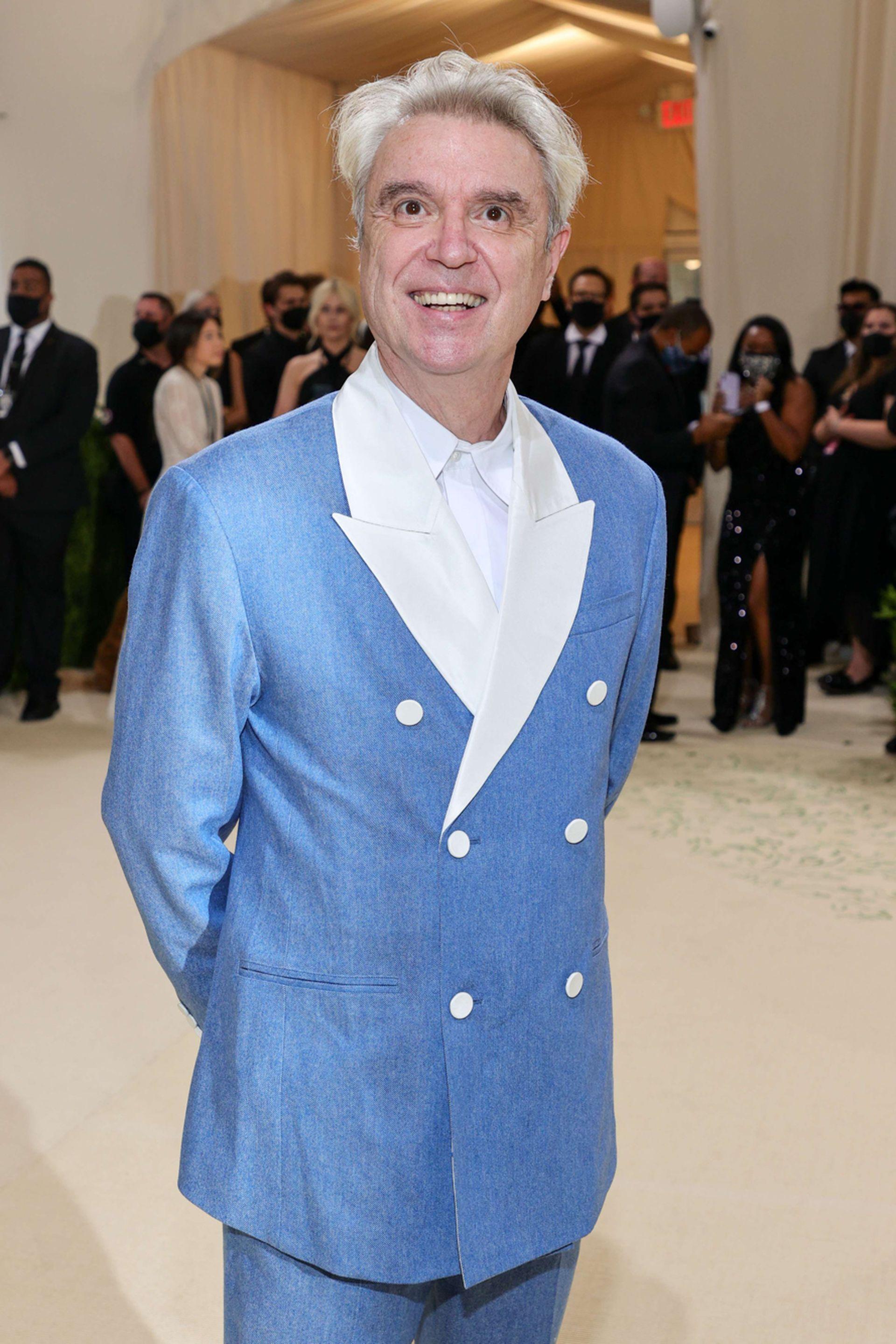 El cantante David Byrne, otro asiduo asistente a las clásicas galas del Met