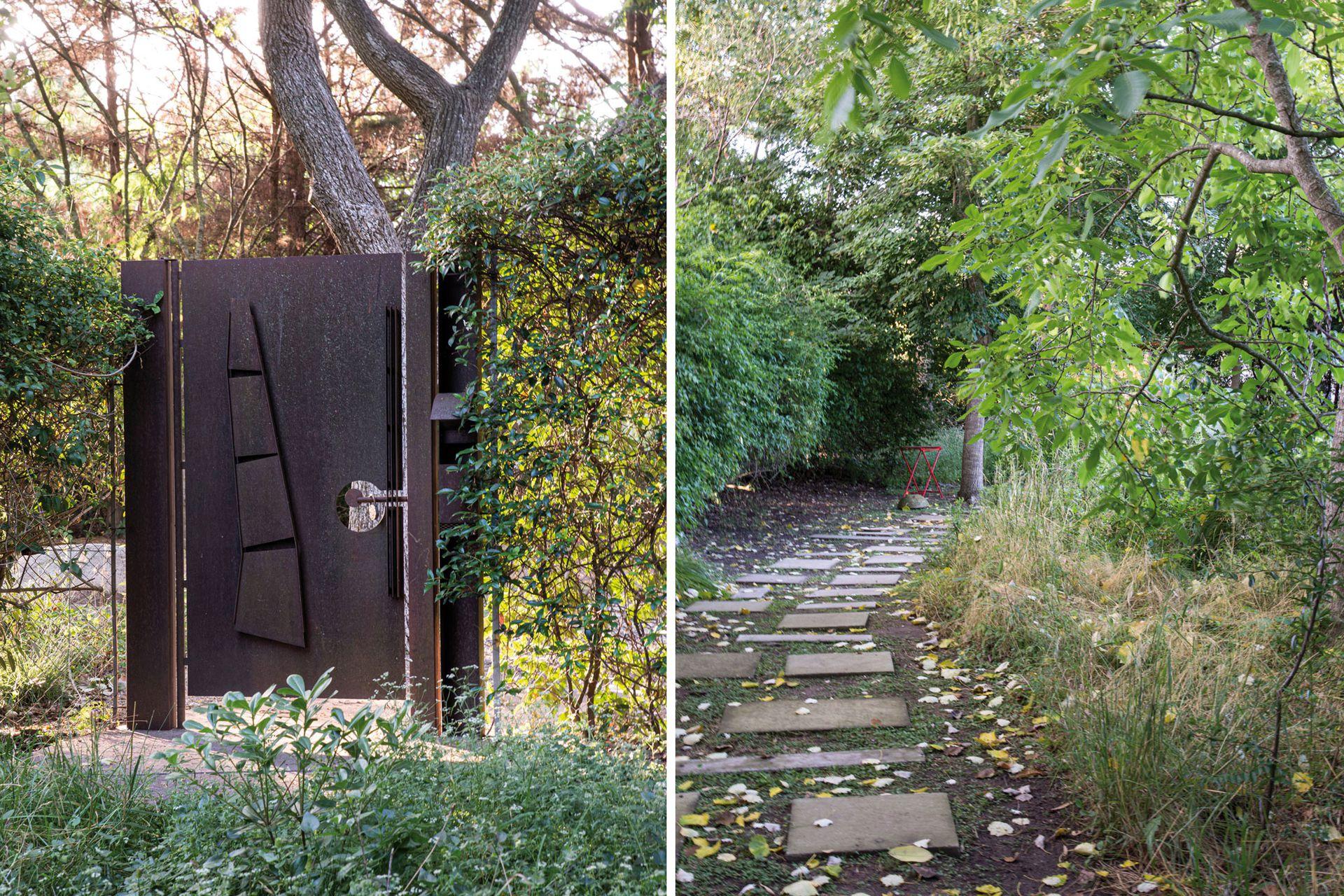 A la izquierda, el acceso secundario a la propiedad. A la derecha, sendero con baldosas y durmientes cementicios premoldeados.