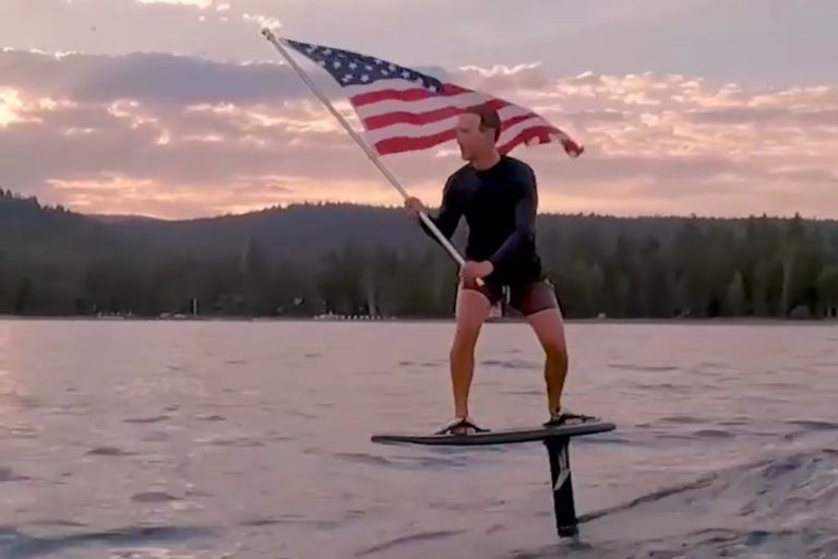 Las redes sociales destruyeron a Mark Zuckerberg por publicar un video en que intentó conmemorar el Día de la Independencia de Estados Unidos
