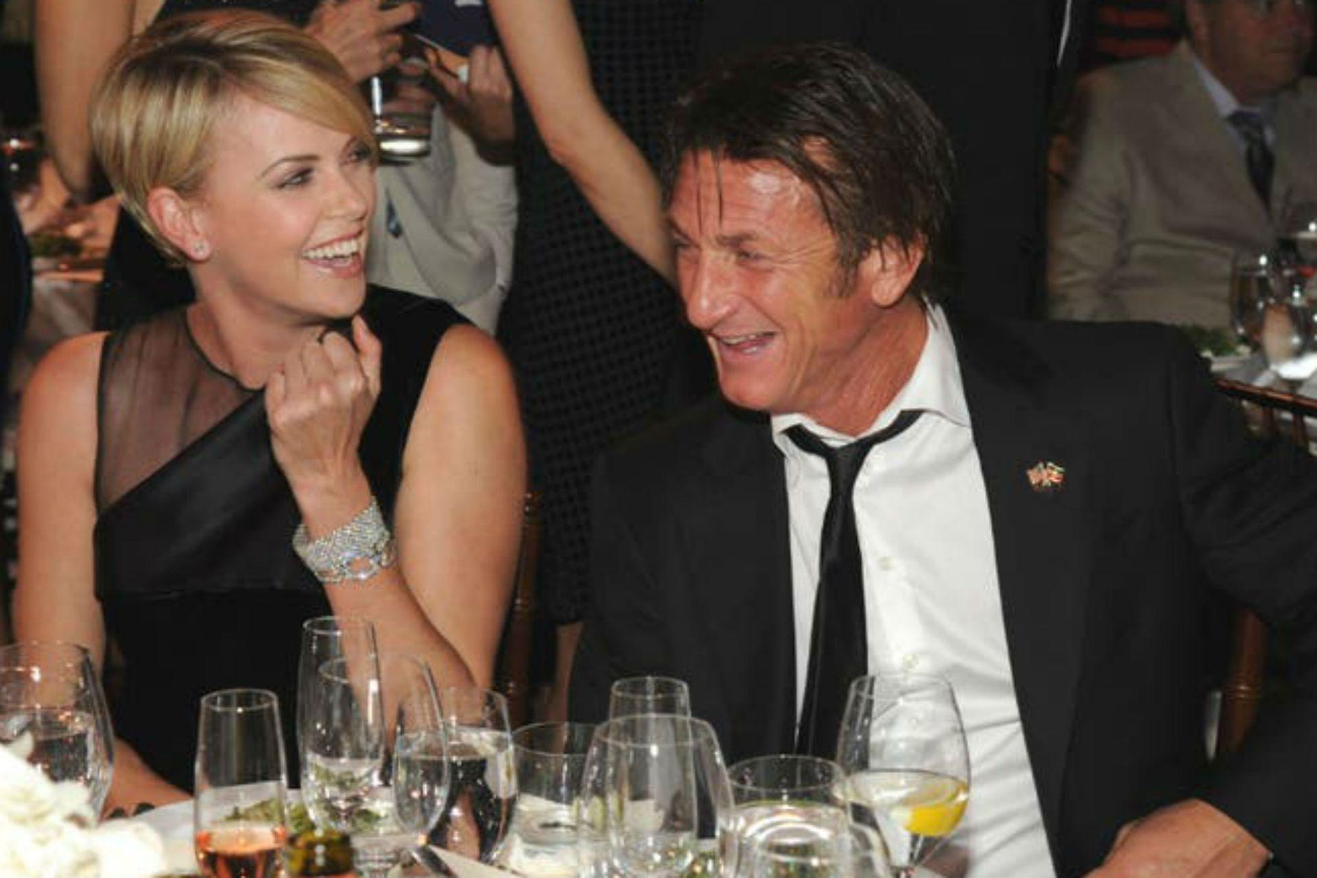 Charlize y Sean Penn, en los inicios de su relación, en 2013