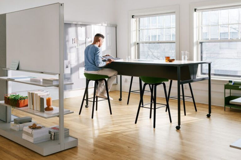 Diseño: muebles anticubículo inspirados en GAP, coloridos y combinables