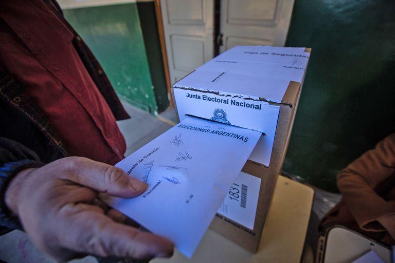Salta Finca Las costas Escuela 4317 Calixto Gauna donde vota el pre candidato a vice Urtubey