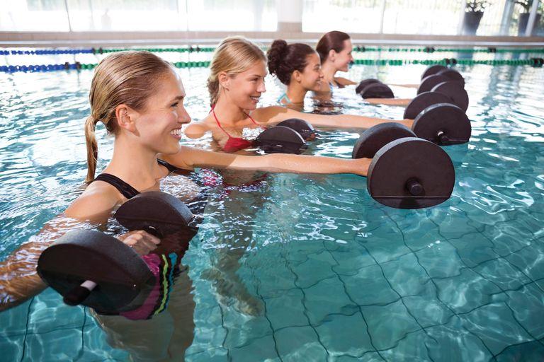 Claves para entrenar en el agua y bajar de peso sin sufrir lesiones
