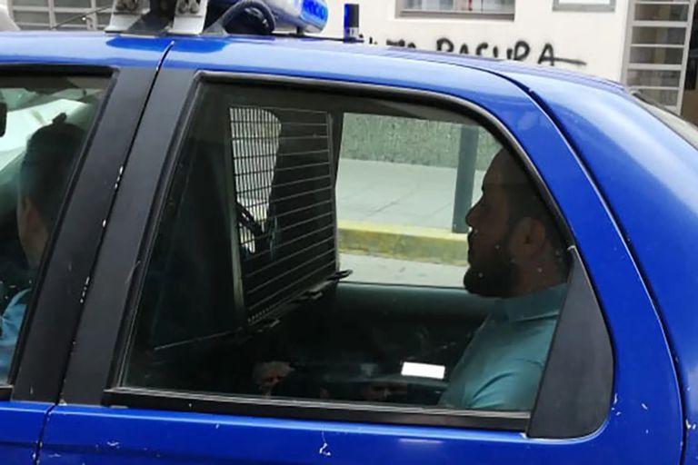 El momento en que trasladan a Marcelo Pérez para declarar por la agresión a Agostina Camaño