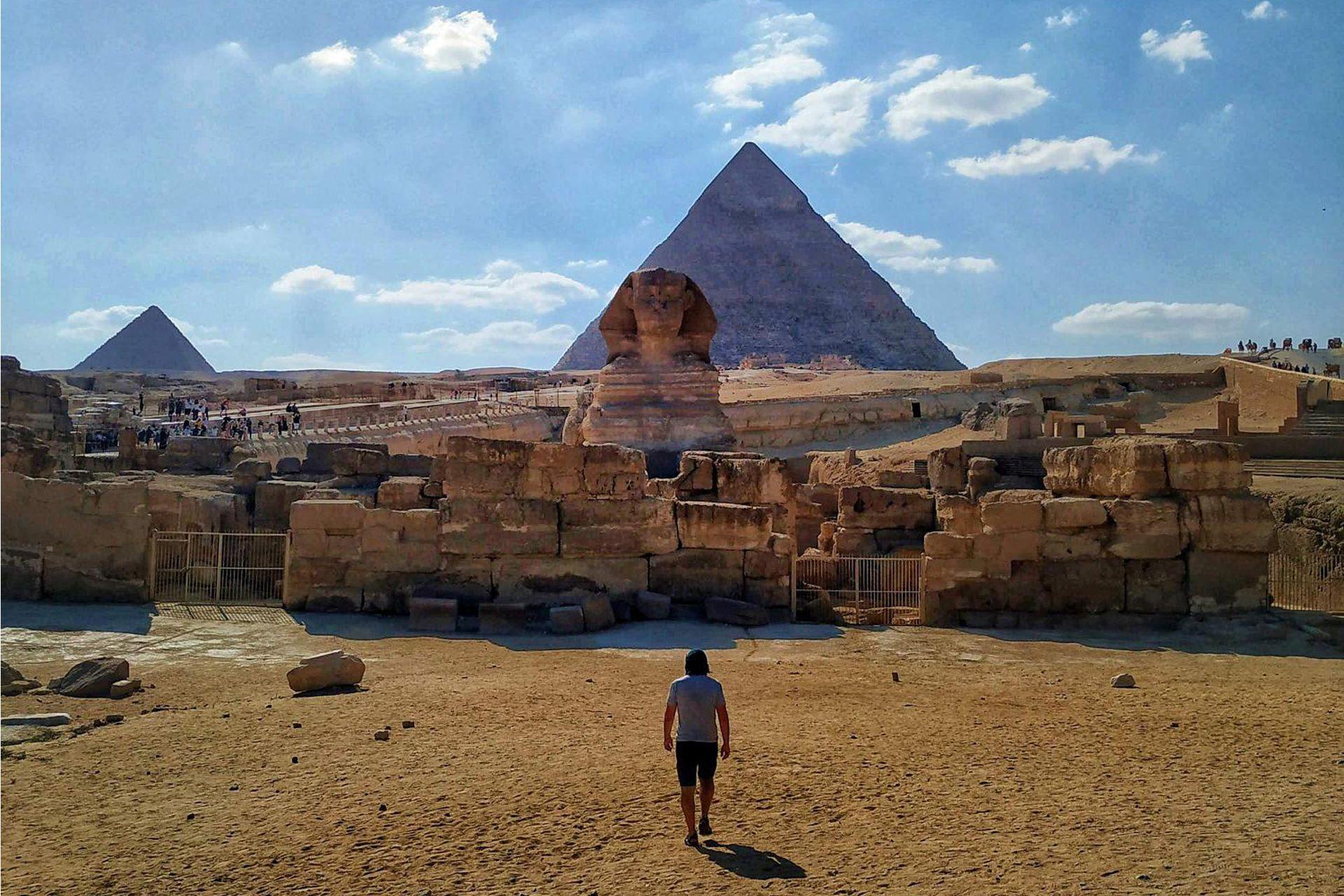 """""""Egipto fue el país más difícil de atravesar hasta el momento. Intenso, asfixiante, desgastante... pero tan imponente como sus pirámides""""."""
