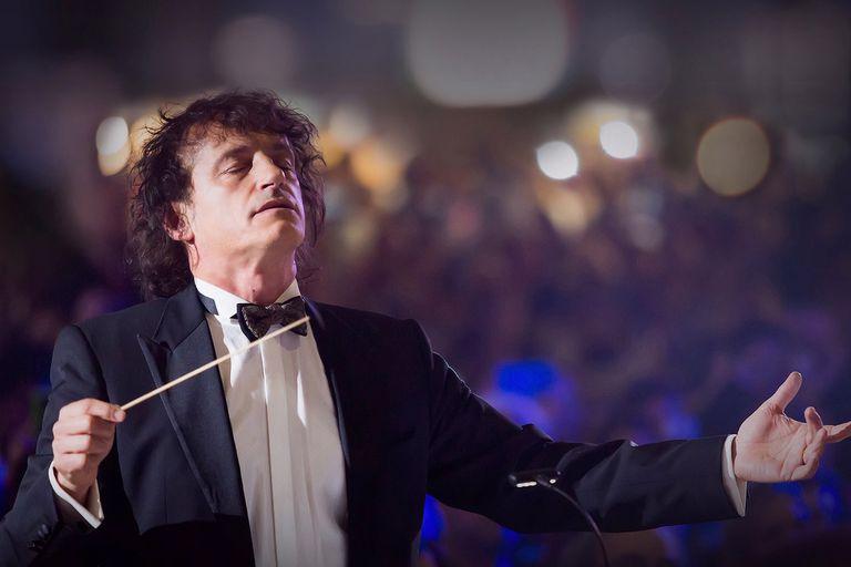 Ángel Mahler les rinde tributo a las víctimas de la AMIA con un gran concierto