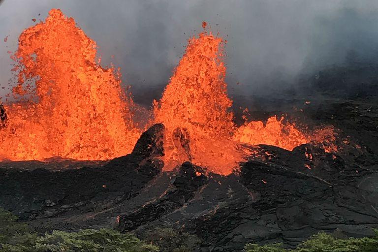Nubes mortales de ácido sobre Hawai luego de que la lava llegó al océano