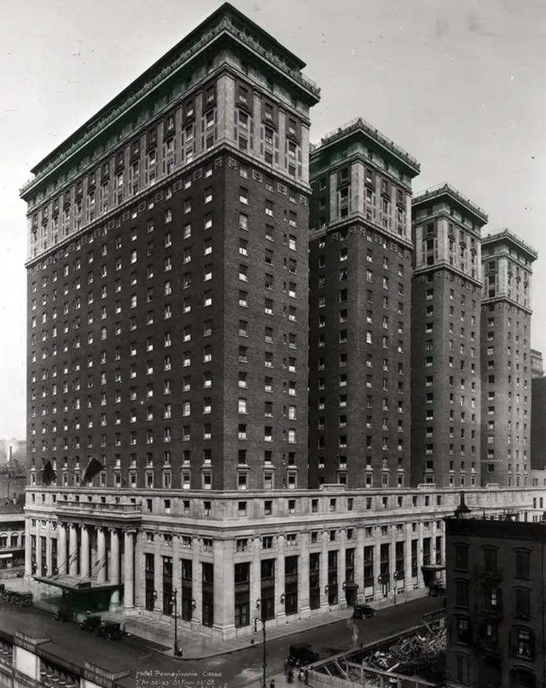Hotel Pennsylvania, 1951
