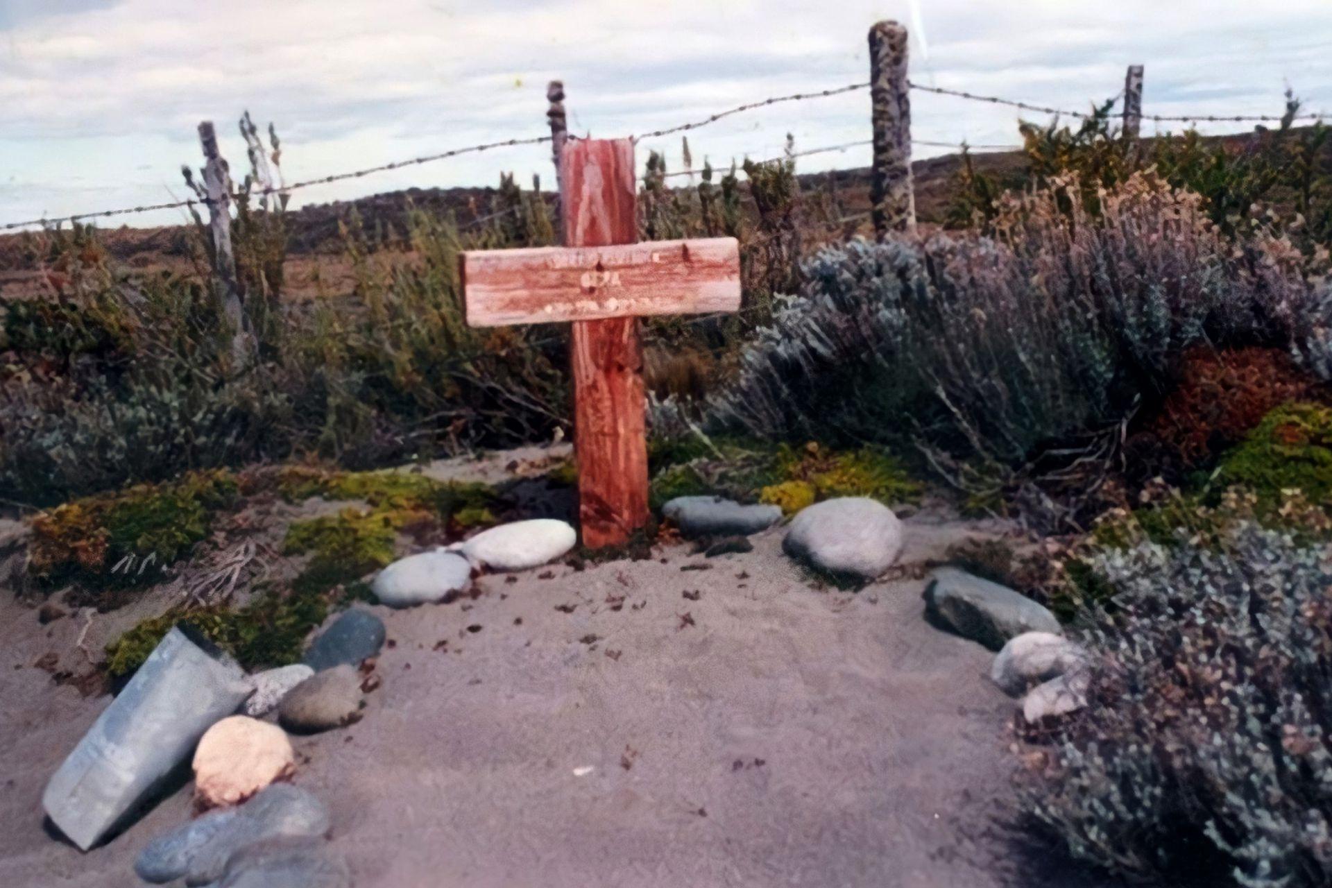La tumba de Conrado Asselborn en Cabo Vírgenes