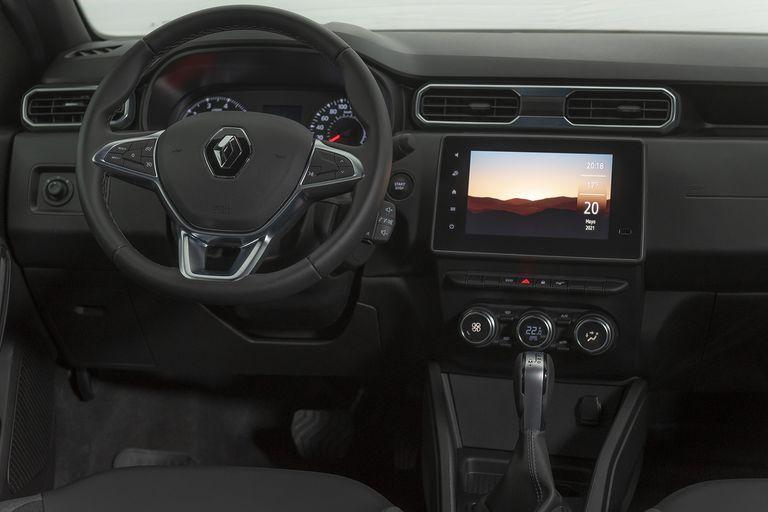 El interior del Renault Duster Outsider 4x2 goza de amplio espacio y de un diseño práctico y funcional para el conductor