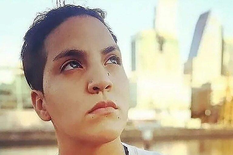 Eugenia Laprovíttola, la chica que juega al fútbol por Maradona y que podría ser hija del ídolo
