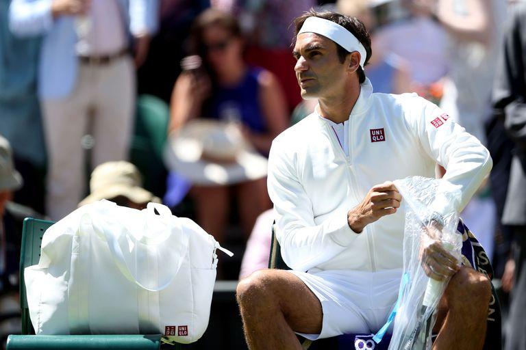 Las acciones de Nike caen luego de que Federer apareciera con ropa Uniqlo