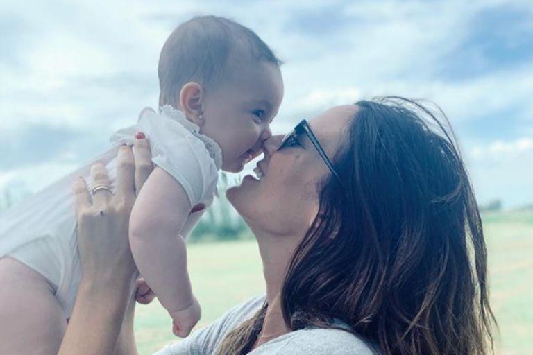 La modelo compartió una reflexión sobre el poder curativo de las madres cuando sus hijos sufren alergias alimentarias