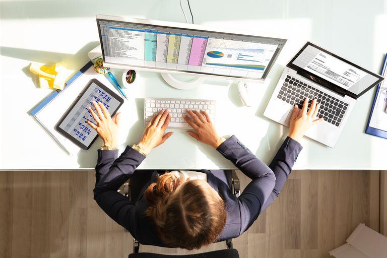 Los empleados invierten el 40% de su tiempo en muchas tareas (y eso no es bueno)