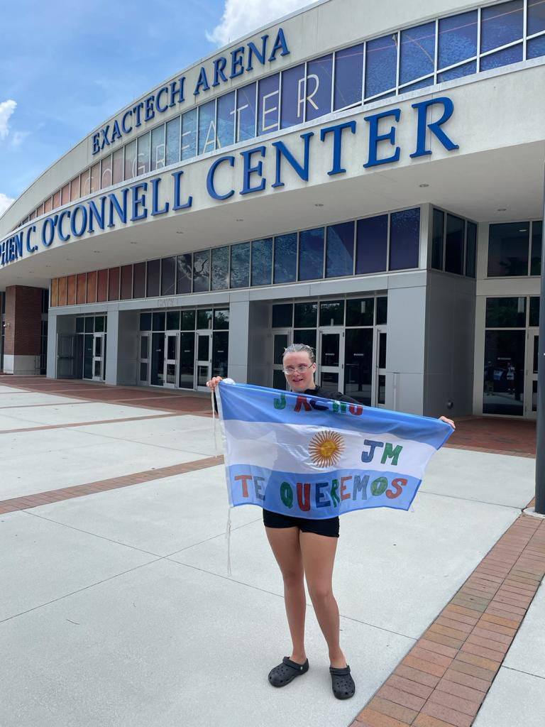 Una atleta argentina con Síndrome de Down viajó a competir y quedó varada en Miami con su familia