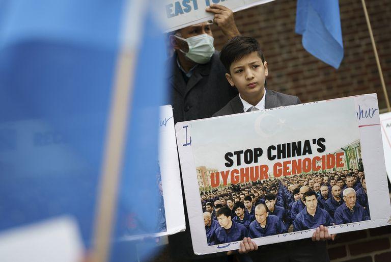 Manifestación contra las torturas a los uigures en Washington, Estados Unidos