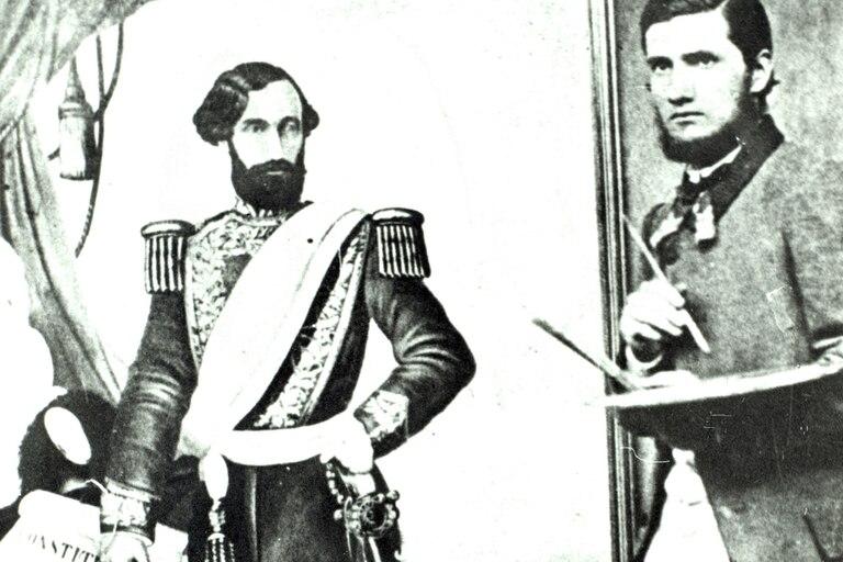 En 1862, Cándido López posa con una pintura de Bartolomé Mitre, en Mercedes