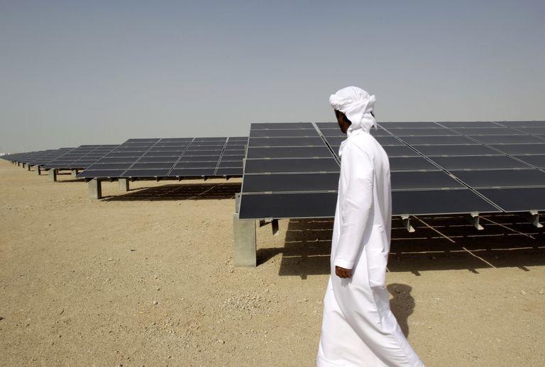 La doble pesadilla de los países petroleros ricos del Golfo Pérsico