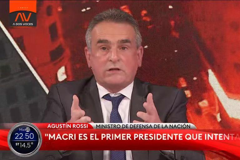 Fuerte cruce entre Alfredo Cornejo y Agustín Rossi por la pandemia