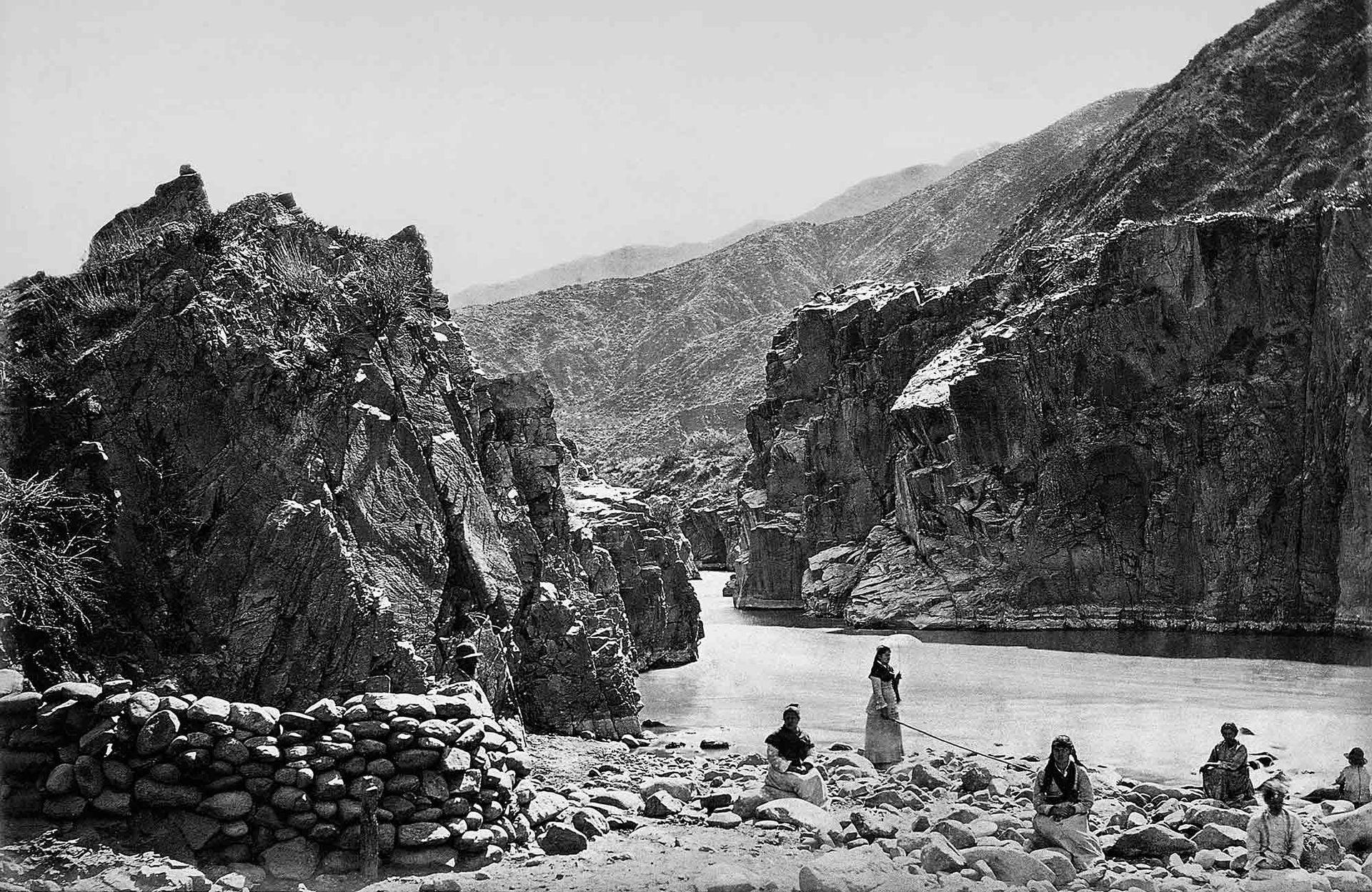 Baños en el río en la provincia de Mendoza.
