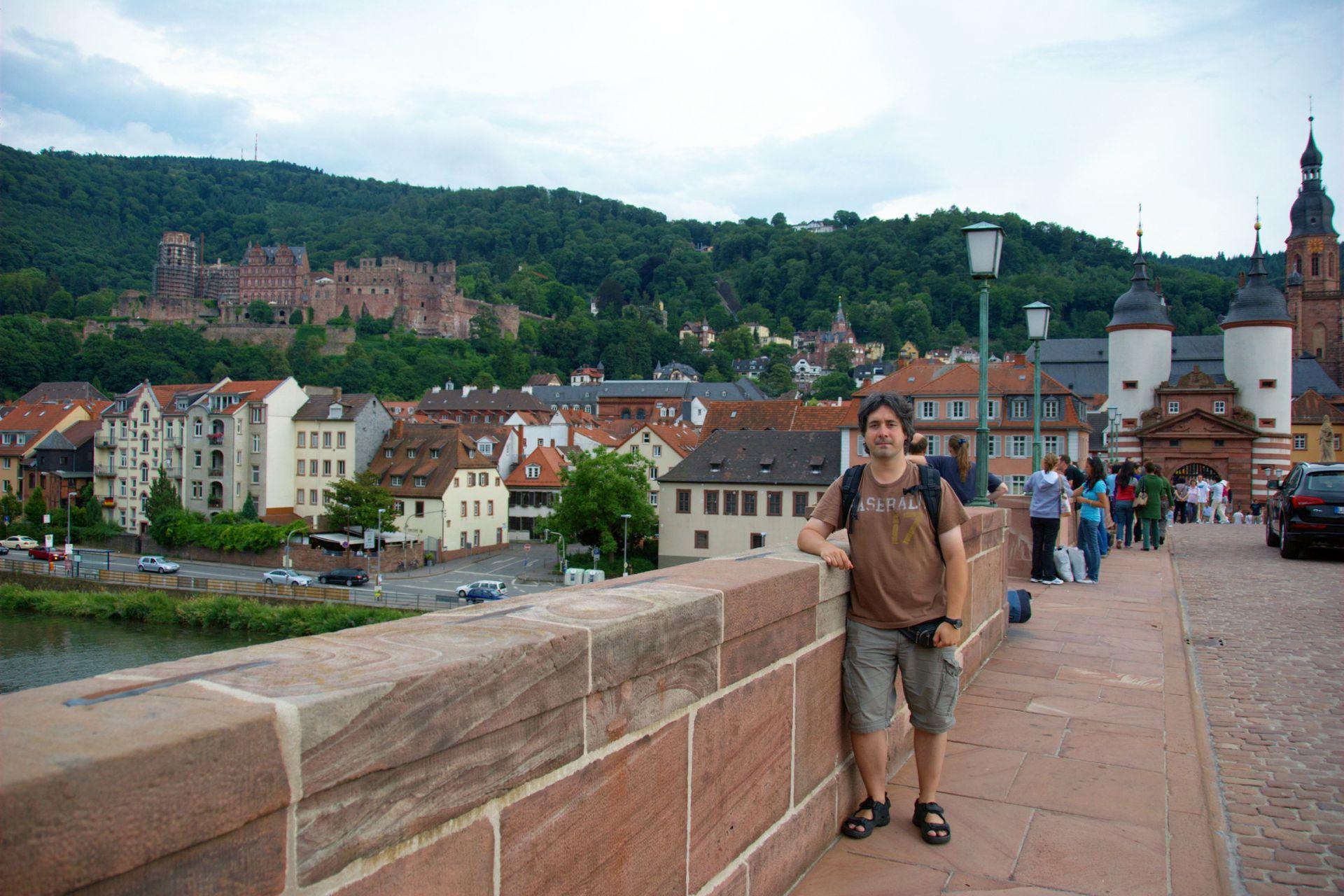 Gastón, en un paseo por Heidelberg, Alemania.