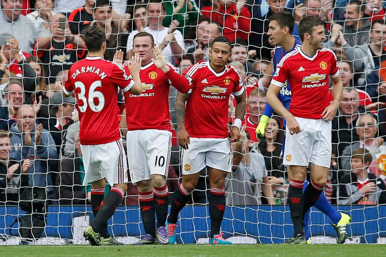Manchester United quedó líder de la Premier League
