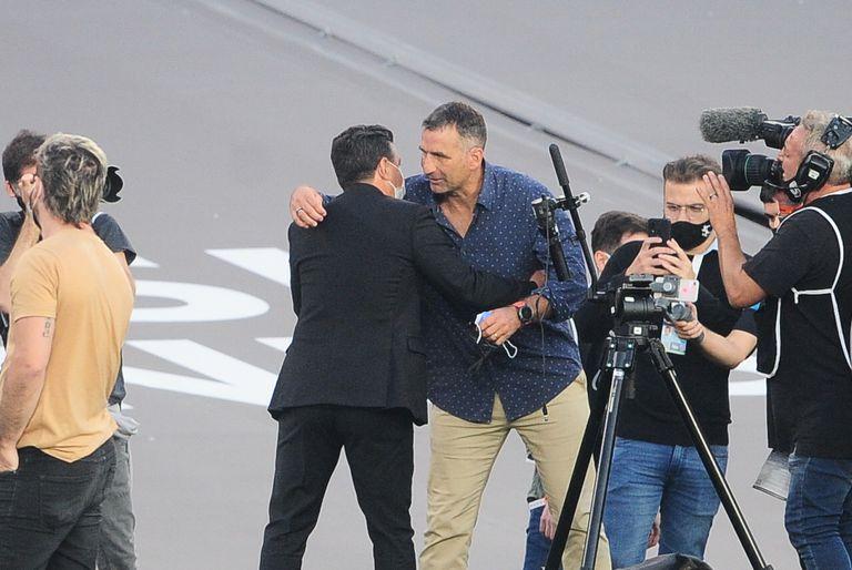 El saludo final entre Marcelo Gallardo y Juan Antonio Pizzi; River y Racing no se sacaron ventajas en el Monumental
