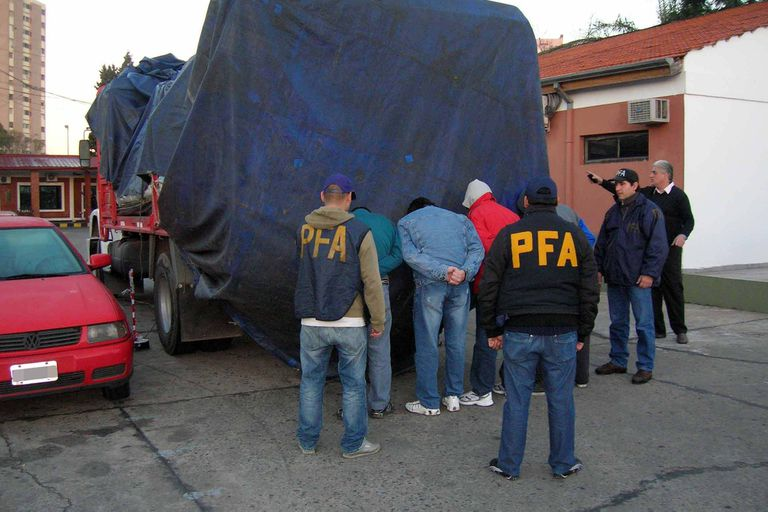 Un operativo de la Policía Federal por piratería del asafalto