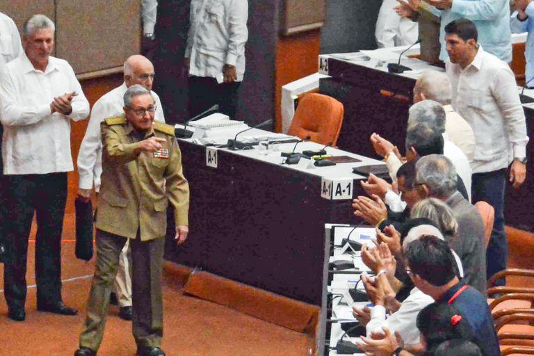 """Cuba debate una nueva Constitución y eliminaría la palabra """"comunismo"""""""