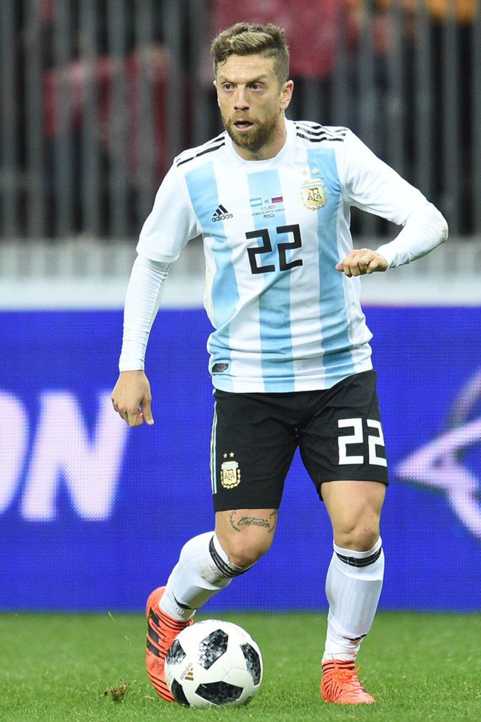 """Pese a los 32 años del """"Papu"""" Gómez, Scaloni entendió que debía hacerle un lugar en el plantel de la selección al futbolista argentino, muy probablemente, más influyente del momento en Europa"""