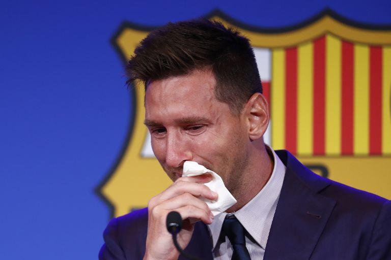 El 8 de agosto, Lionel Messi lloró en la conferencia de prensa en el Camp Nou, al despedirse del FC Barcelona después de casi dos décadas