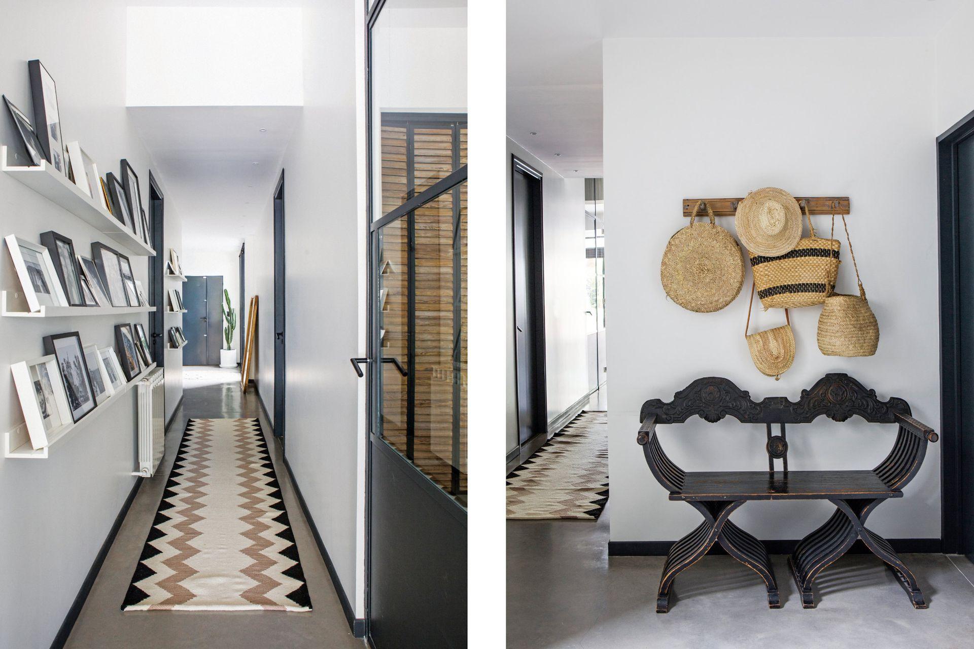 En el hall de entrada, sillón y perchero antiguos (Mercado de Pulgas de Dorrego). A continuación, el pasillo con estantes de madera (Ikea) y alfombra de lana (Elementos Argentinos).