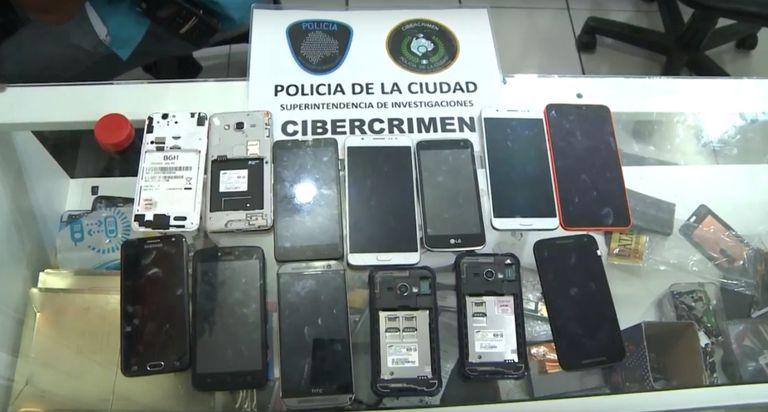 Operativos contra la venta de celulares robados