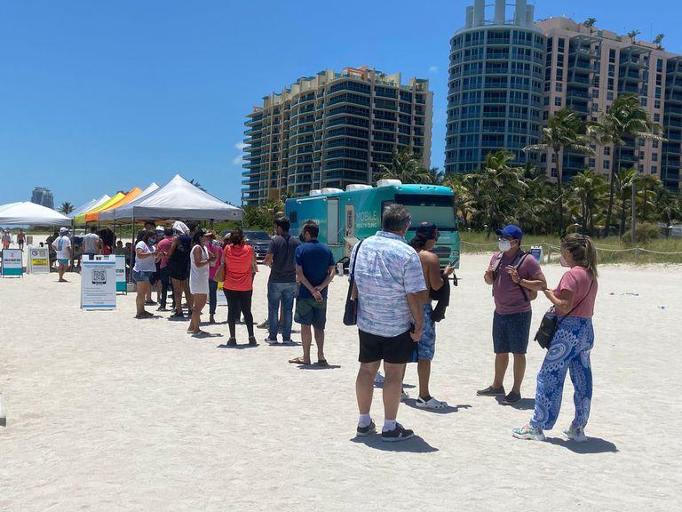 La vacunación en las playas de la Florida