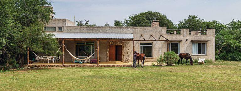 Arquitectura sabia. Una casita de Yacanto, en armonía con las leyes naturales