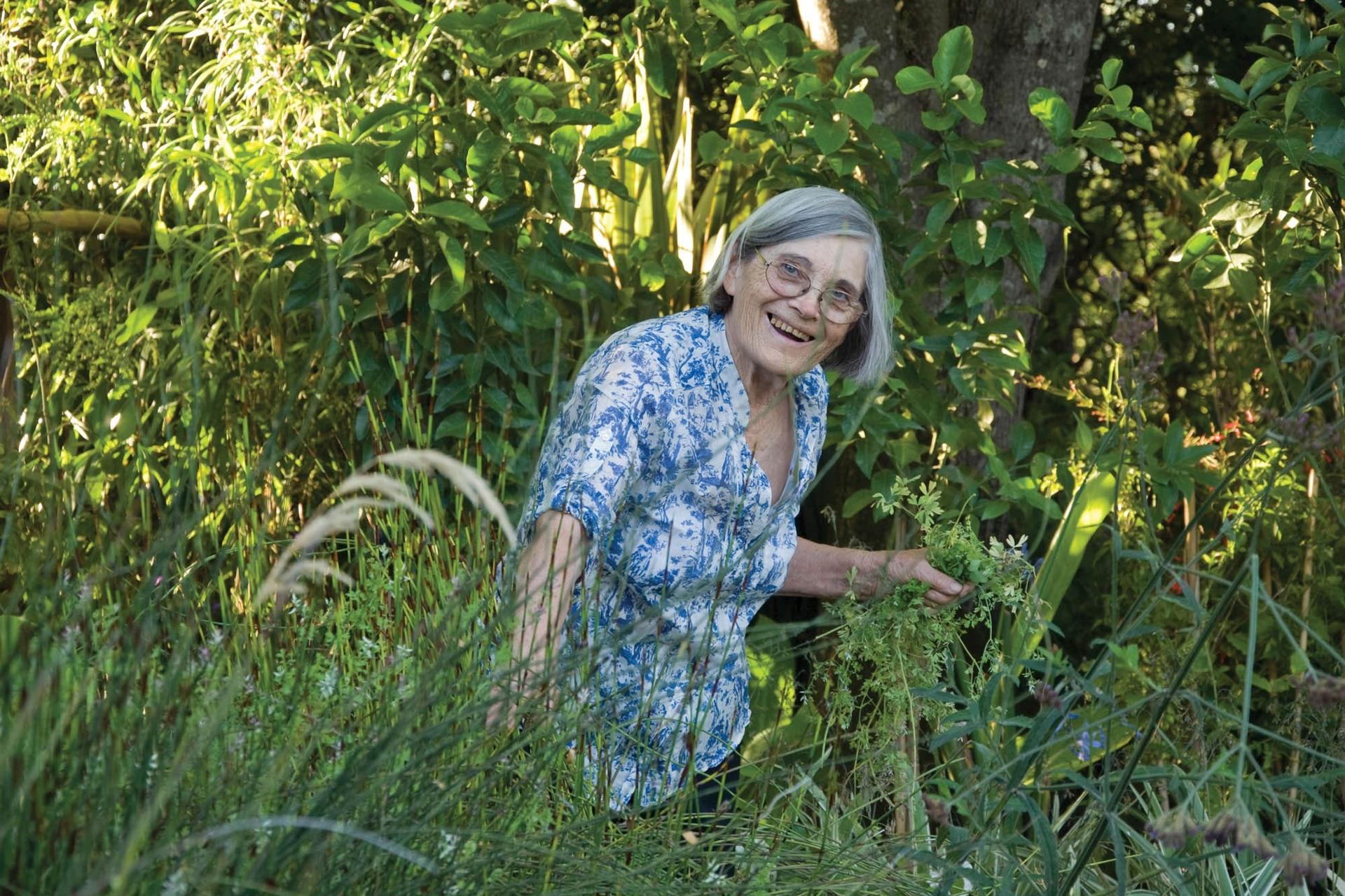 Hoy al frente de un vivero, Chola comenzó a realizar cursos de jardinería cuando sus hijos ya estaban grandes.